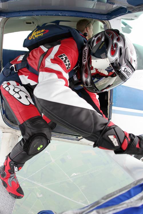 Yamaha-skydiving-